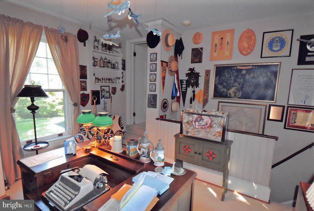 Upstairs Study - 3612 N GLEBE RD, ARLINGTON