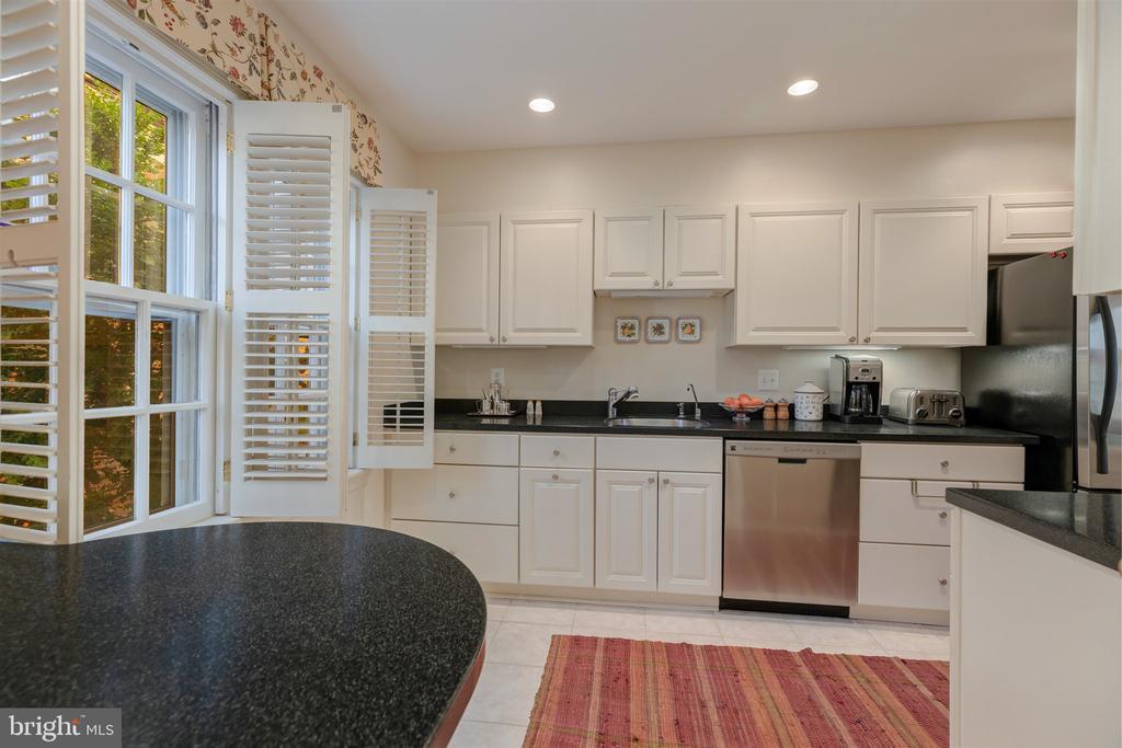 Remodeled Kitchen - 4366 WESTOVER PL NW, WASHINGTON