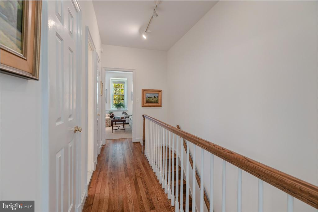 Staircase to Top Floor with 9 foot ceiling - 4366 WESTOVER PL NW, WASHINGTON