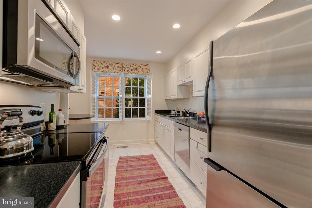 Kitchen - 4366 WESTOVER PL NW, WASHINGTON