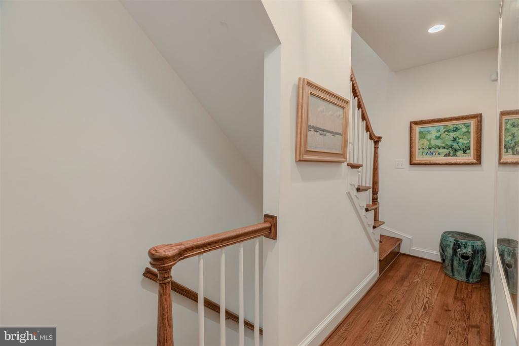 Staircase to 2nd floor - 4366 WESTOVER PL NW, WASHINGTON