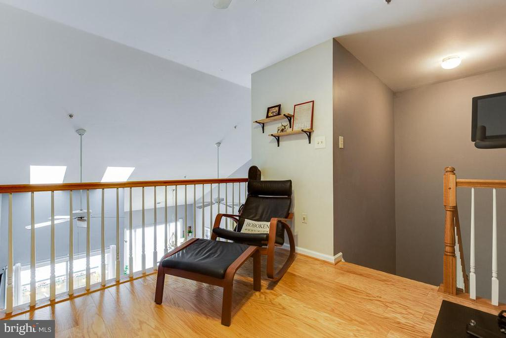 Loft: great bonus flexible area! - 6549 GRANGE LN #401, ALEXANDRIA