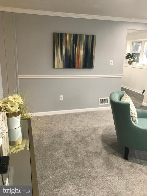 Living Room - 2411 S MONROE ST, ARLINGTON