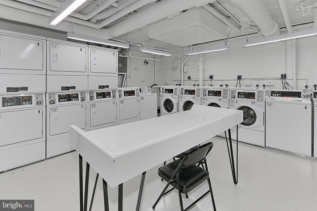 Washers and Dryers - 1300 S ARLINGTON RIDGE RD #701, ARLINGTON