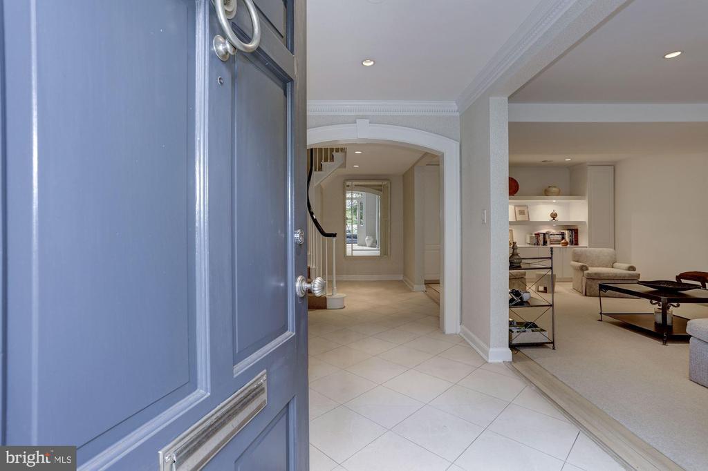 Foyer - 5104 ROCKWOOD PKWY NW, WASHINGTON