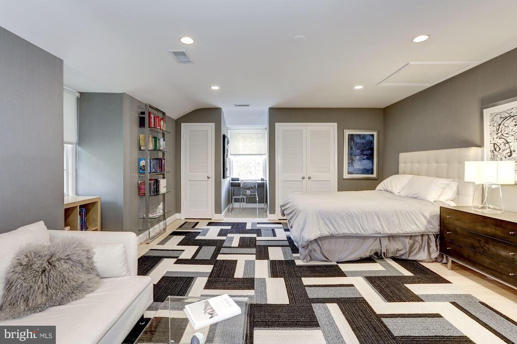 Bedroom #3 - 5104 ROCKWOOD PKWY NW, WASHINGTON