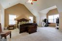 MASTER BEDROOM W/VAULTED CEILNG AND NOOK - 15346 WITS END DR, WOODBRIDGE