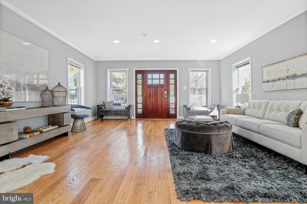 Foyer Area - 3145 NEWTON ST NE, WASHINGTON