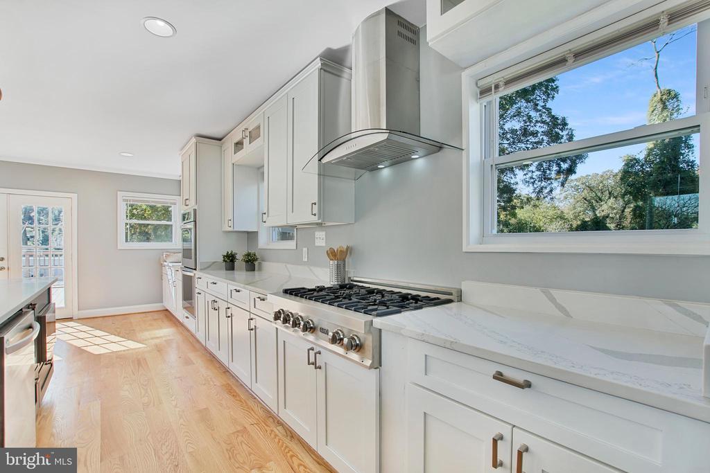 Kitchen - 3145 NEWTON ST NE, WASHINGTON