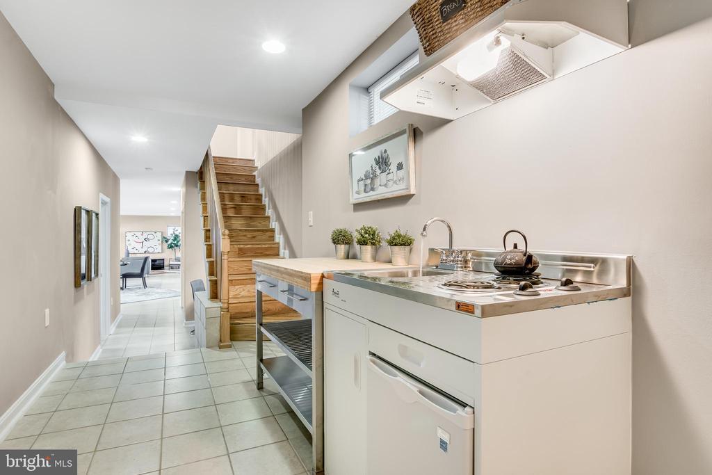 Lower Level Kitchen - 3145 NEWTON ST NE, WASHINGTON