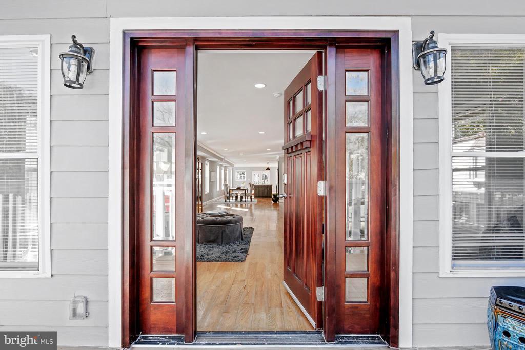 Front Entrance - 3145 NEWTON ST NE, WASHINGTON