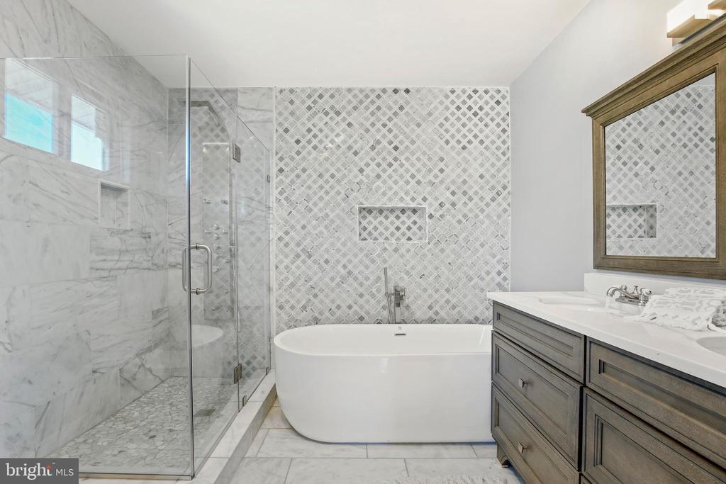 2nd Level Bedroom Spa - 3145 NEWTON ST NE, WASHINGTON