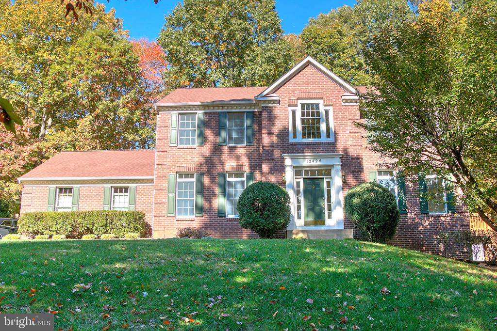 Lovely Brick Colonial - 12424 SILENT WOLF DR, MANASSAS