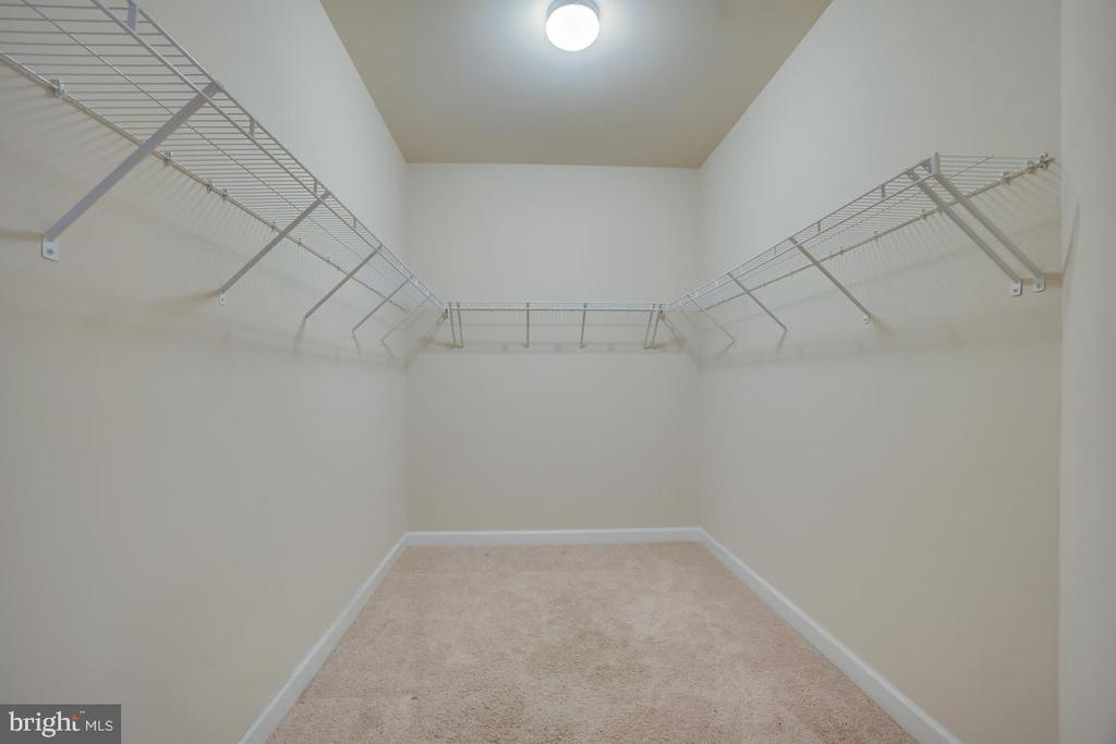 2nd Walk-in Closet in the Master Bedroom - 42560 DREAMWEAVER DR, BRAMBLETON