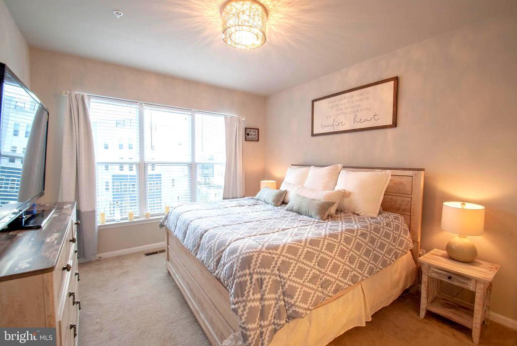 Light-Filled Upper Level Master Bedroom - 139 LEJEUNE WAY, ANNAPOLIS