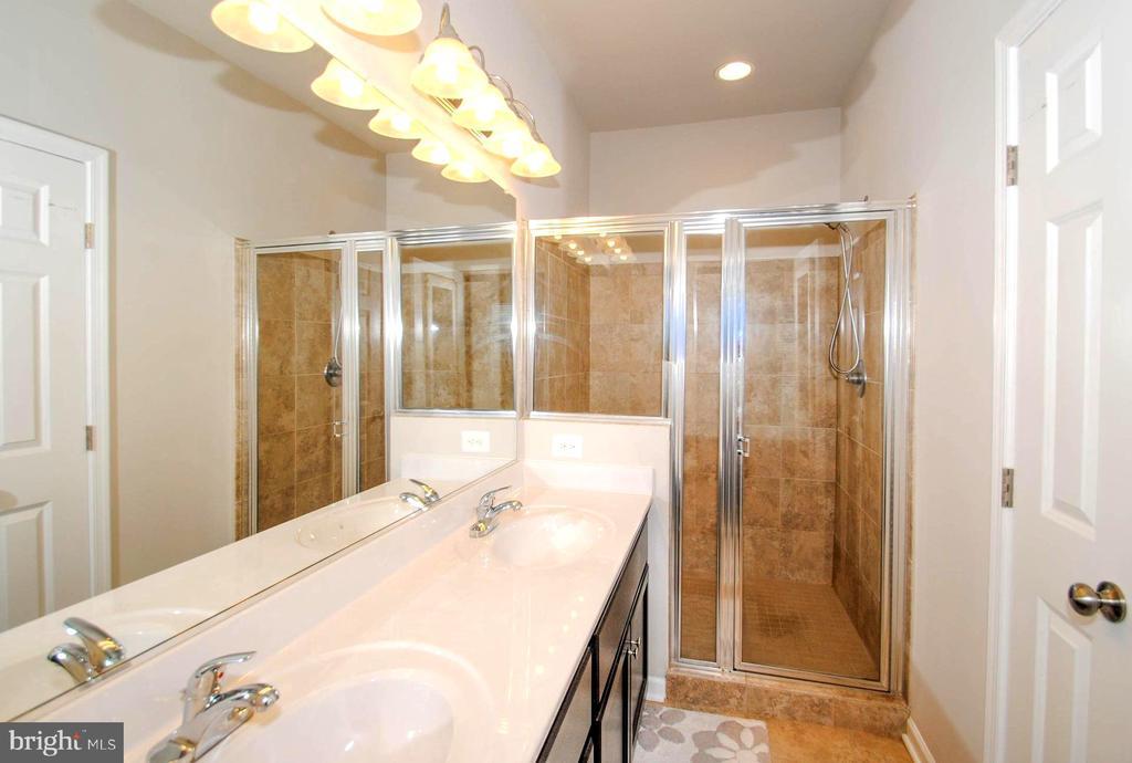En Suite Dual Vanity Master Bath with Spa Shower - 139 LEJEUNE WAY, ANNAPOLIS