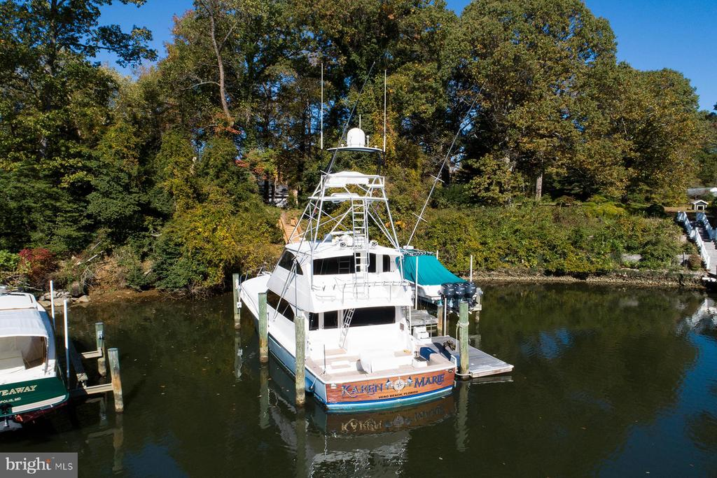 Private pier has plenty of space for a large vesse - 3057 RUNDELAC RD, ANNAPOLIS