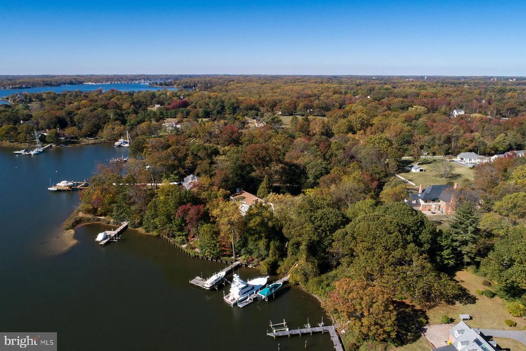 Aerial view of the pier, property and home - 3057 RUNDELAC RD, ANNAPOLIS