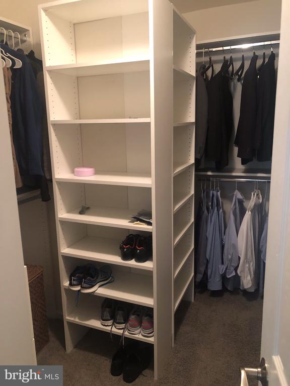 Custom Walk-in Closet - 4505 MONMOUTH ST, FAIRFAX