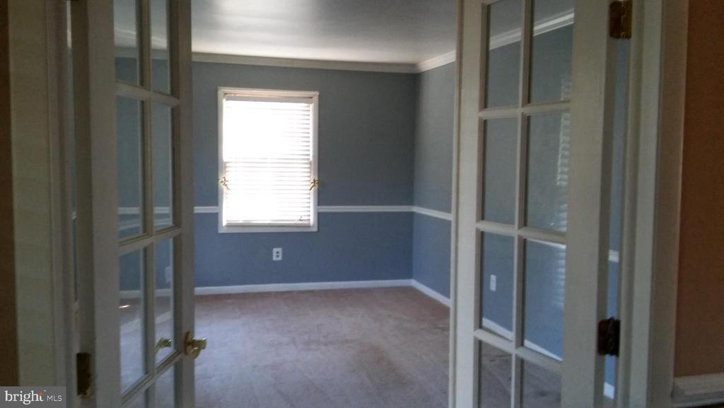 Formal living room - 260 WHITE HALL RD, WINCHESTER