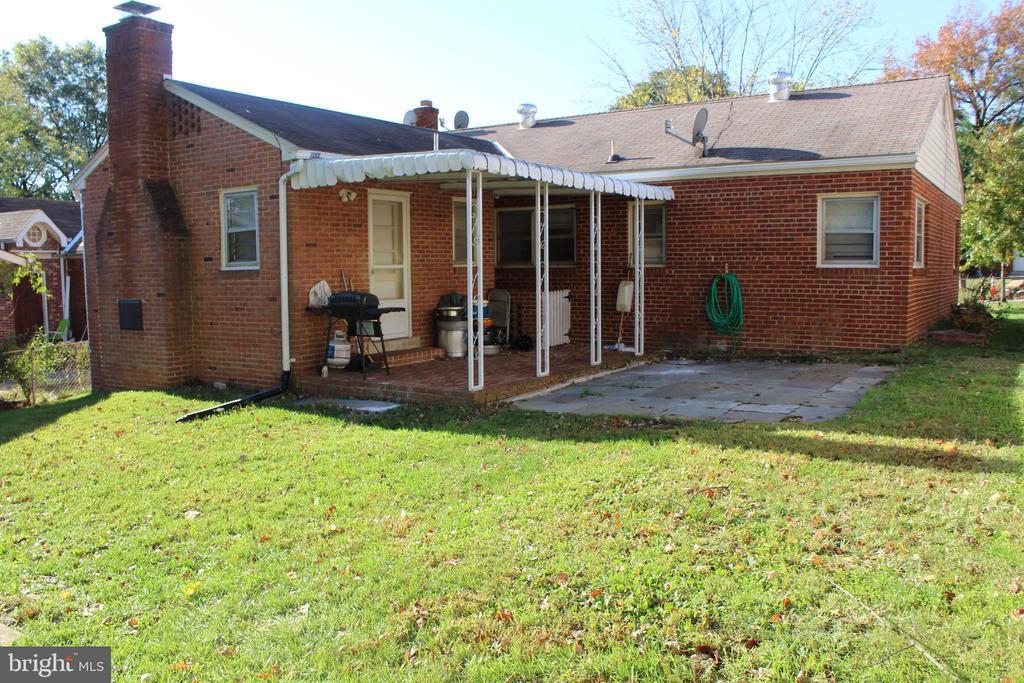 Rear porch - 6909 RANDOLPH ST, HYATTSVILLE