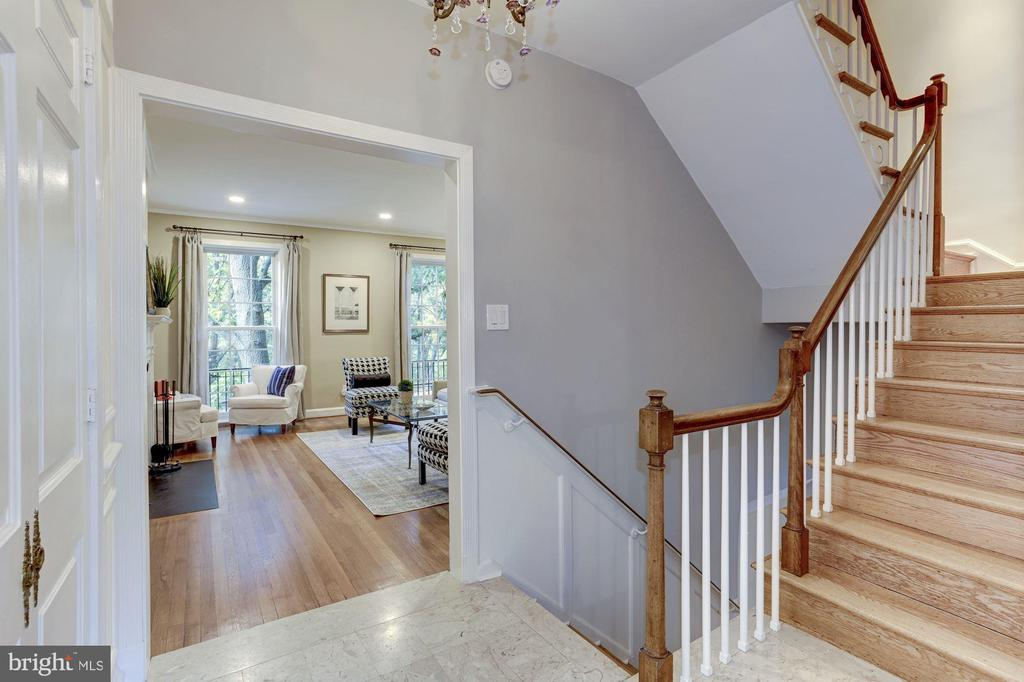 Second Level - 2543 WATERSIDE DR NW, WASHINGTON