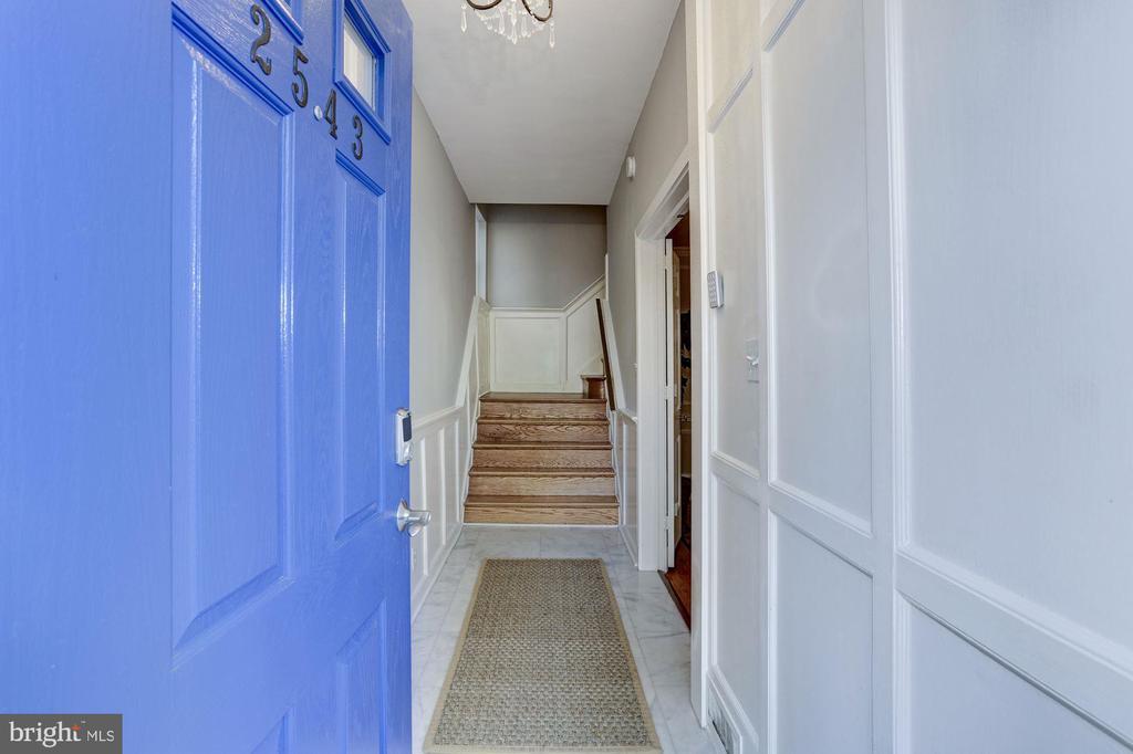 Elegant Entry Way - 2543 WATERSIDE DR NW, WASHINGTON