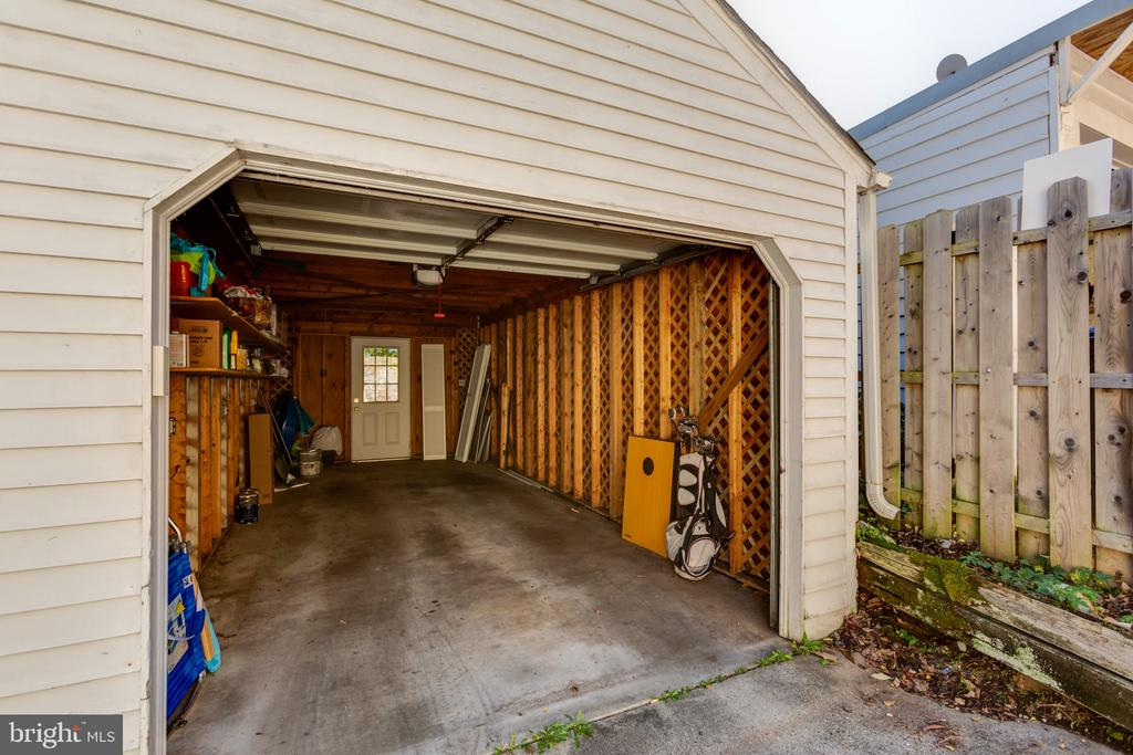 Garage Parking - 3217 RESERVOIR RD NW, WASHINGTON