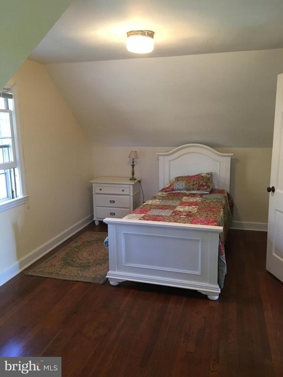Fouth bedroom, upstairs - 20597 FURR RD, ROUND HILL
