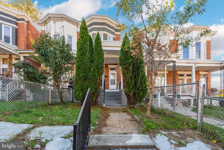 Single Family Homes 용 임대 에 Baltimore, 메릴랜드 21216 미국