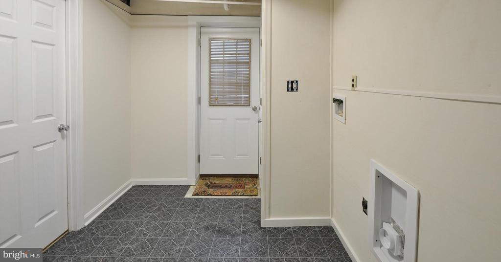 Washer/Dryer Hookups - Laundry Area - 308 WESTOVER PKWY, LOCUST GROVE