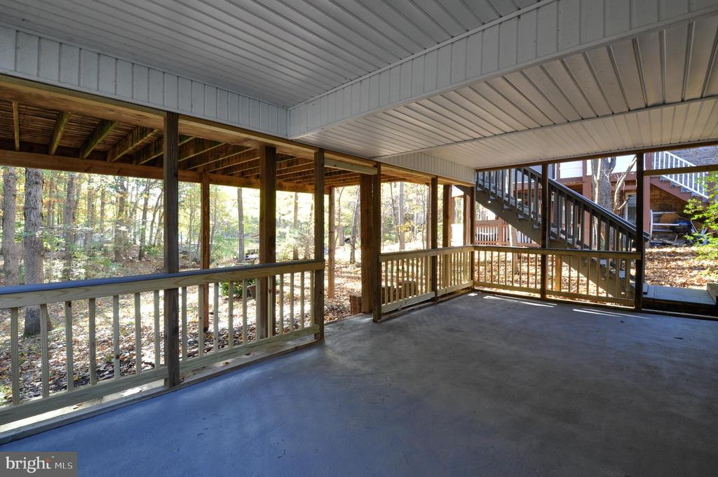 Covered Patio offers waterfront views! - 308 WESTOVER PKWY, LOCUST GROVE