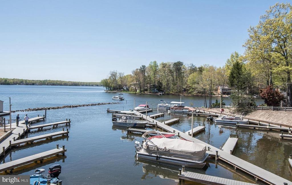 Boat Dock on Main Lake - 308 WESTOVER PKWY, LOCUST GROVE