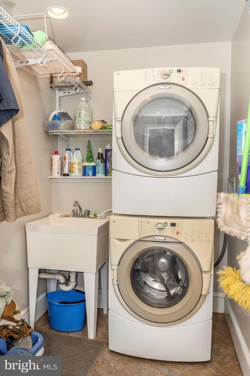 Laundry - 10140-A LENHART RD, FREDERICK