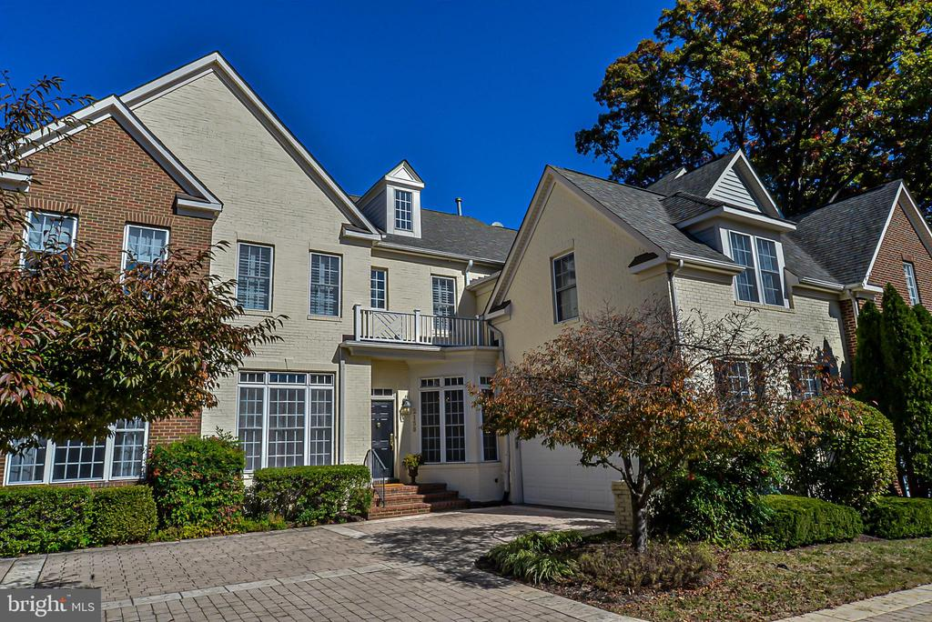 Beautiful Patio home at Tysons. - 2158 HARITHY DR, DUNN LORING