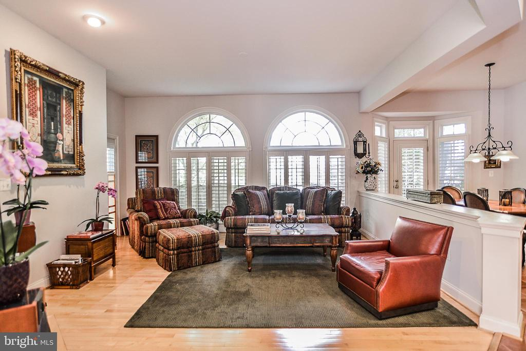 Relax and unwind in the spacious family room - 2158 HARITHY DR, DUNN LORING
