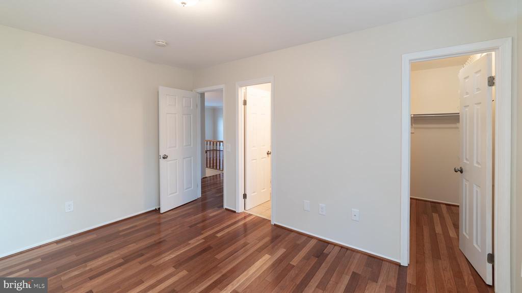 Master bedroom - 6002 POWELLS LANDING RD, BURKE