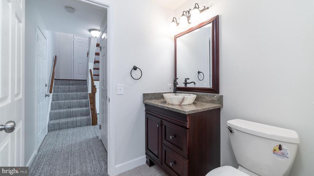 Lower Level Full Bathroom - 6002 POWELLS LANDING RD, BURKE