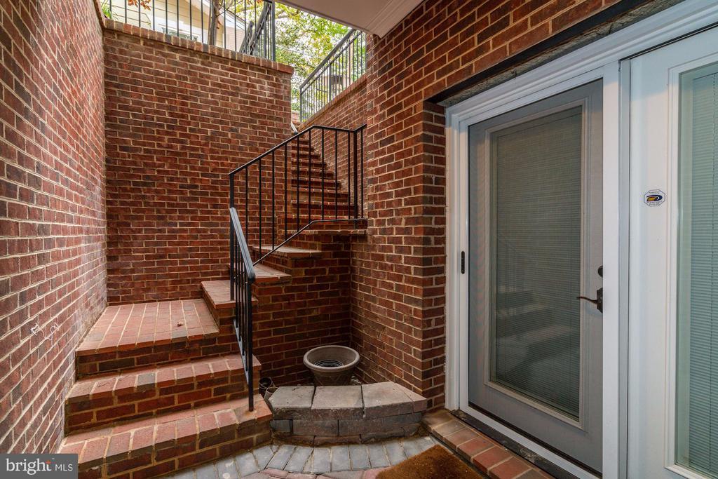 Lower Level Separate Entrance - 4415 P ST NW, WASHINGTON