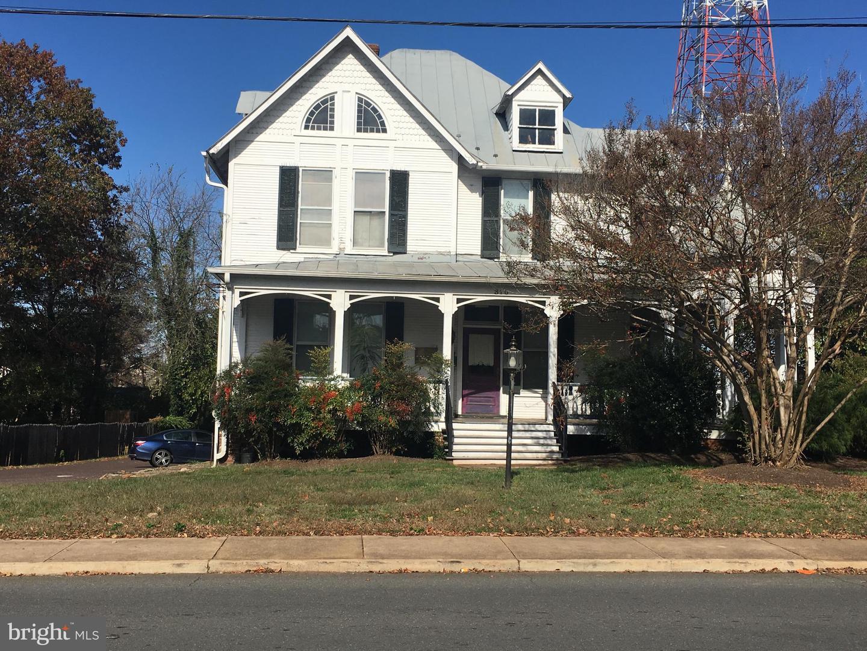 Property 為 出租 在 310 E PIEDMONT #101 B Culpeper, 弗吉尼亞州 22701 美國
