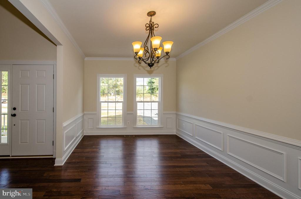 - 4 JACOBS HILL COURT, LEESBURG