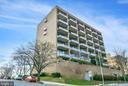 Back of building, garage entrance - 1401 N OAK ST #309, ARLINGTON