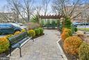 Condo garden area - 1401 N OAK ST #309, ARLINGTON
