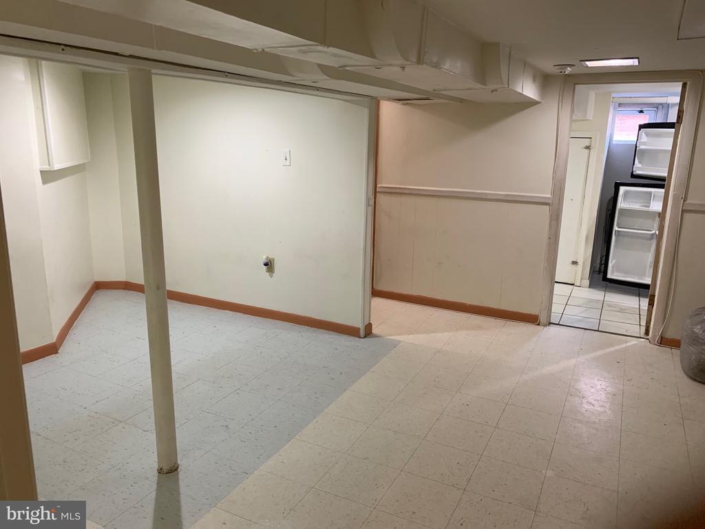LL family room - 6909 RANDOLPH ST, HYATTSVILLE