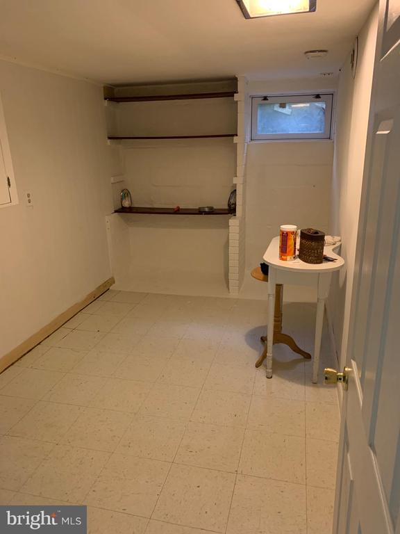 Basement den/room 1 - 6909 RANDOLPH ST, HYATTSVILLE