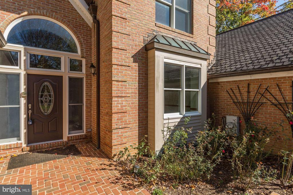 Welcome Home! - 7028 HUNTER LN, HYATTSVILLE