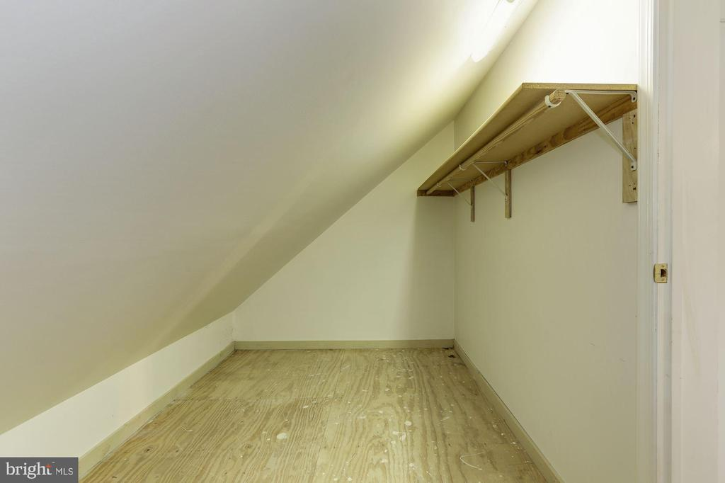 Additional Closet Space - 7028 HUNTER LN, HYATTSVILLE