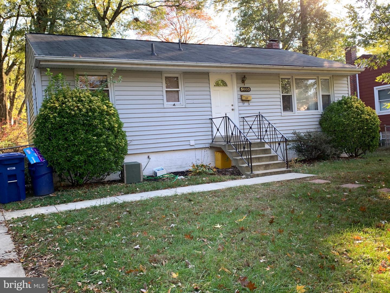 Single Family Homes para Venda às Berwyn Heights, Maryland 20740 Estados Unidos