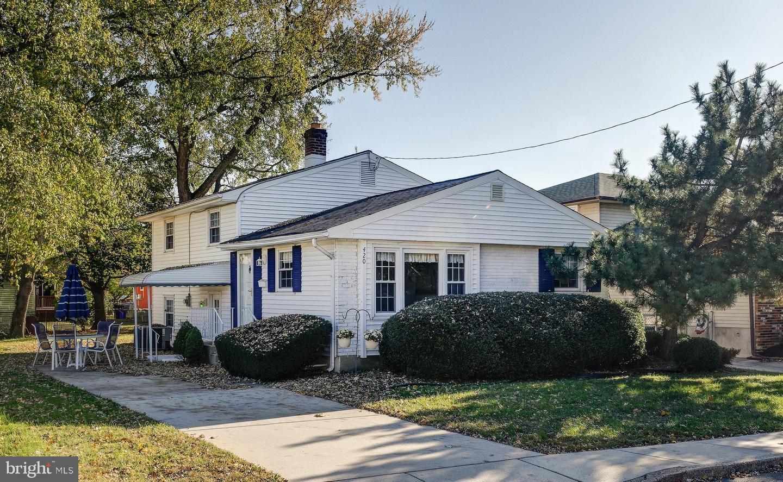 Single Family Homes pour l Vente à Bellmawr, New Jersey 08031 États-Unis