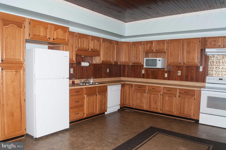 Single Family Homes voor Huren op 104 N LAWRENCE Street Charles Town, West Virginia 25414 Verenigde Staten